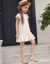 ラッフルの刺繍ドレス