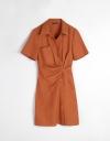 ツイストフロントのシャツドレス