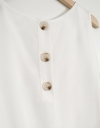 ギャザーヘムの袖なしシフトドレス