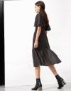 ボタンフロントのスリーブAラインドレス