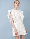 刺繍のラッフルスリーブシフトドレス