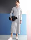 プリーツの長袖マキシシャツドレス