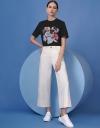 アートフローラルプリントのTシャツ